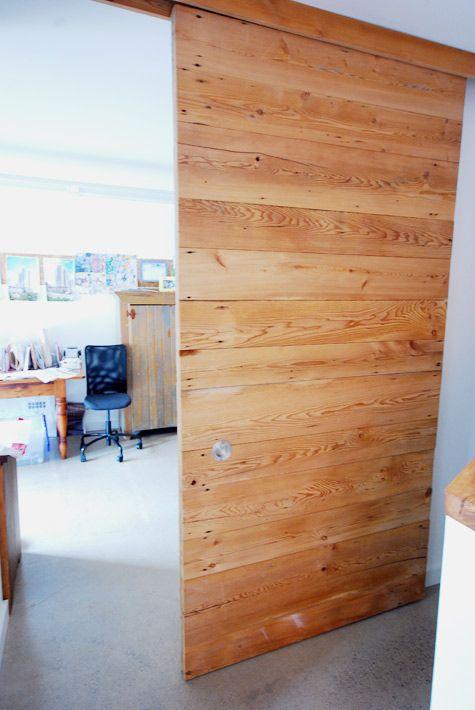 20120828_arq10545_porta de paletes via: www.desiretoinspire.net/blog/2012/8/23/a-personal-house-tour-part-1.html#