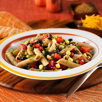 Penne à la salsa aux haricots noirs et au maïs