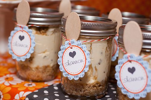 Quick & Easy Cheesecake in a Jar Party Favors - #partyfavor #masonjar #DIY: Cheesecake Jar, Baby Shower Decorations, Baby Shower Favors, Favors Baby, Baby Shower Gifts, Diy Baby Shower, Fall Baby Showers, Jar Favor