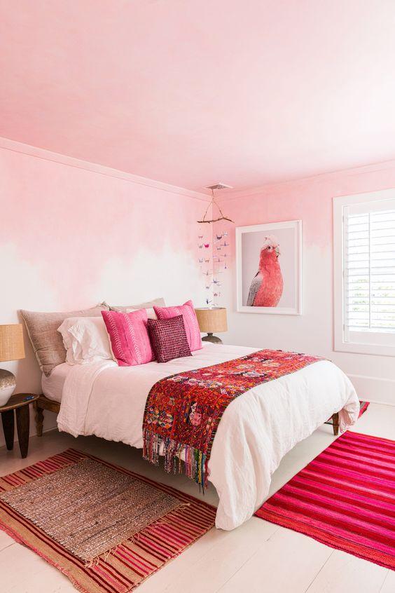 dekorasi warna pink dan merah
