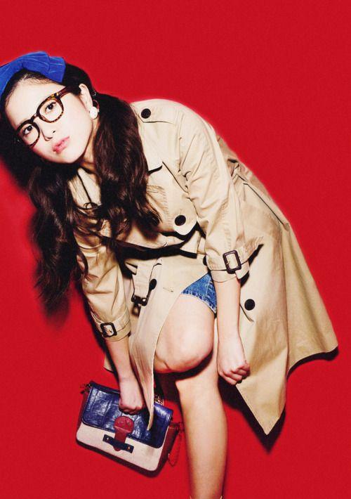 メガネをかけた吉高由里子