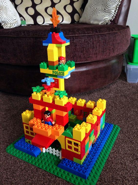 Duplo castle lego duplo inspiration pinterest castles - Lego duplo ideen ...