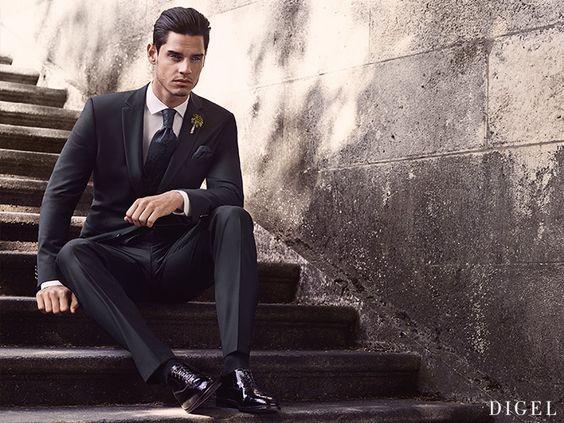 zum schwarzen Anzug passen auch eine nachtblaue Krawatte und Einstecktuch hervorragend #Digel