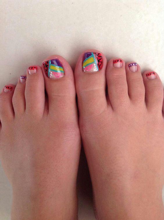 U as de los pies decoradas con estilo y mucho color for Disenos de unas de pies