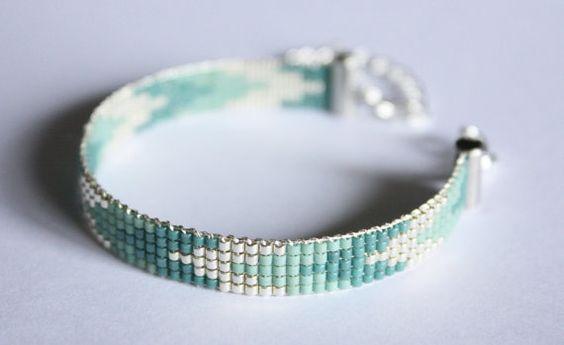 Hey, I found this really awesome Etsy listing at https://www.etsy.com/listing/221466813/bracelet-tisse-perles-miyuki-argent-et