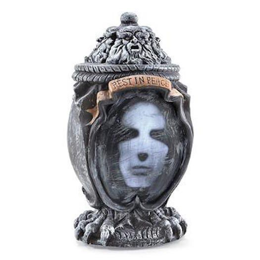 the haunted vase Watch the haunted - season 1, episode 19 - house of the rising dead: a family stirs up some dark spirits when they begin renovating a 180 year old house in new orleans.