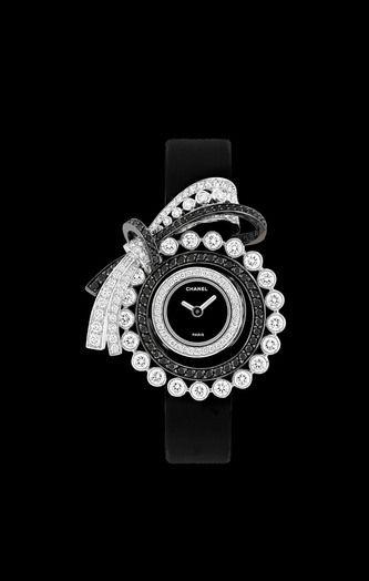 Relógio em ouro branco 18 quilates e diamantes pretos. - CHANEL