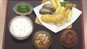 Pasto giapponese con riso, verdura e fritture