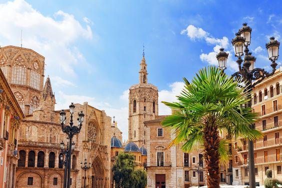 Ich verrate euch meine besten Valencia Tipps für einen Städtetrip! Besucht die schöne Stadt, die mehr ist, als Barcelonas kleine Schwester.