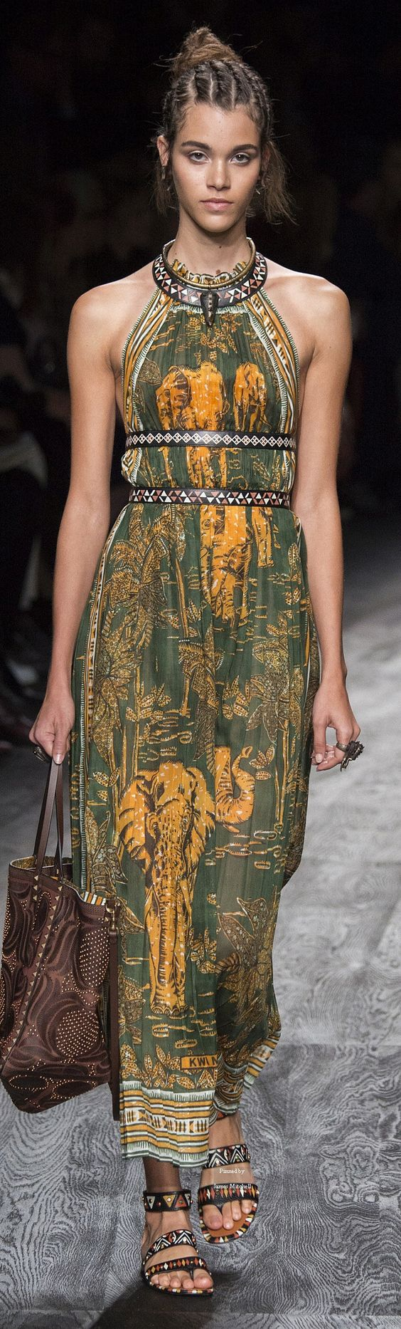 #Farbbberatung #Stilberatung #Farbenreich mit www.farben-reich.com Valentino Collection Spring 2016 Ready-to-Wear: