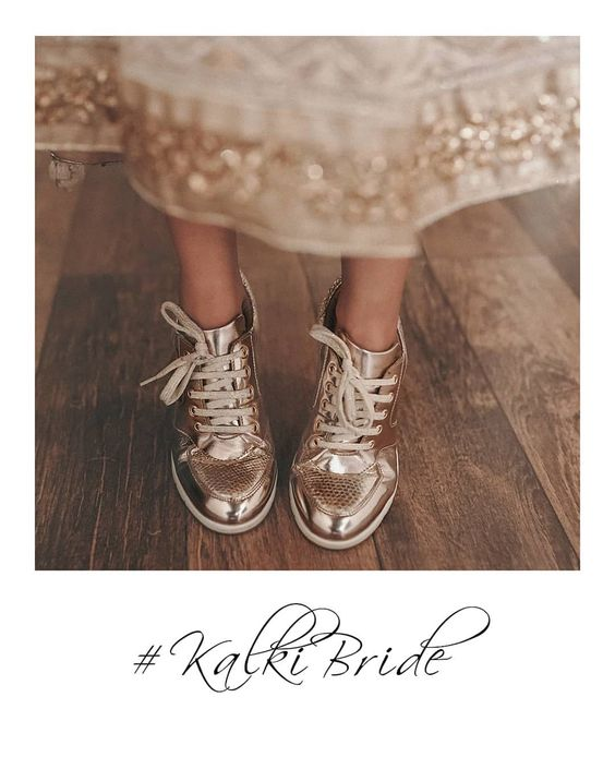 #KALKIBride Sneakers with a lehenga? Say what? We love it when brides rock their desi swag by experimenting with fashion and show up at…
