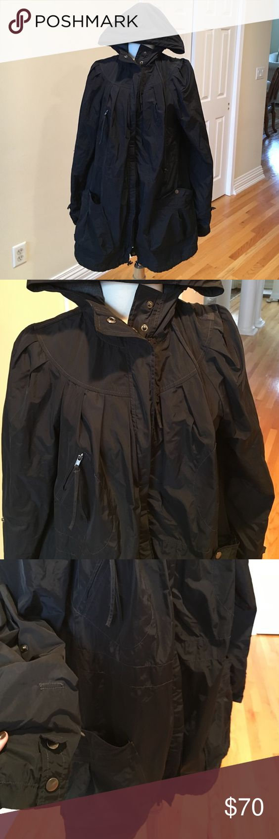 Free People jacket ⚫️Brand new condition. Nylon jacket great for the rain or a chilly day. Hooded. Lots of pockets. Oversized look. Free People Jackets & Coats