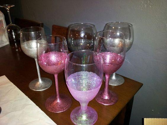 Martha stewart glitter painted wine glasses wedding for Martha stewart christmas wine glasses