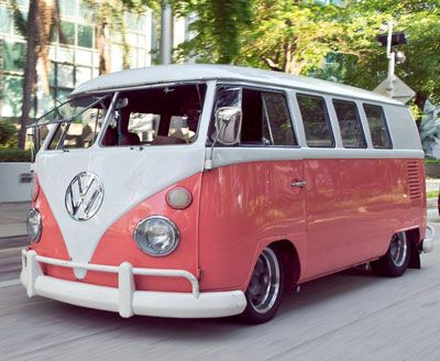 Vintage VW Bus strawberry starburst