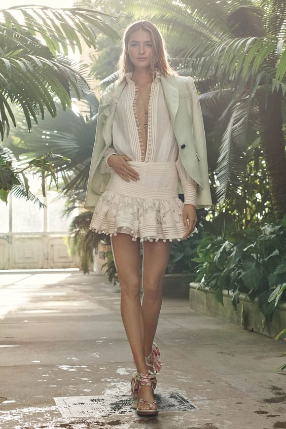 Zimmermann Resort 2019 Fashion Show Collection: See the complete Zimmermann Resort 2019 collection. Look 3