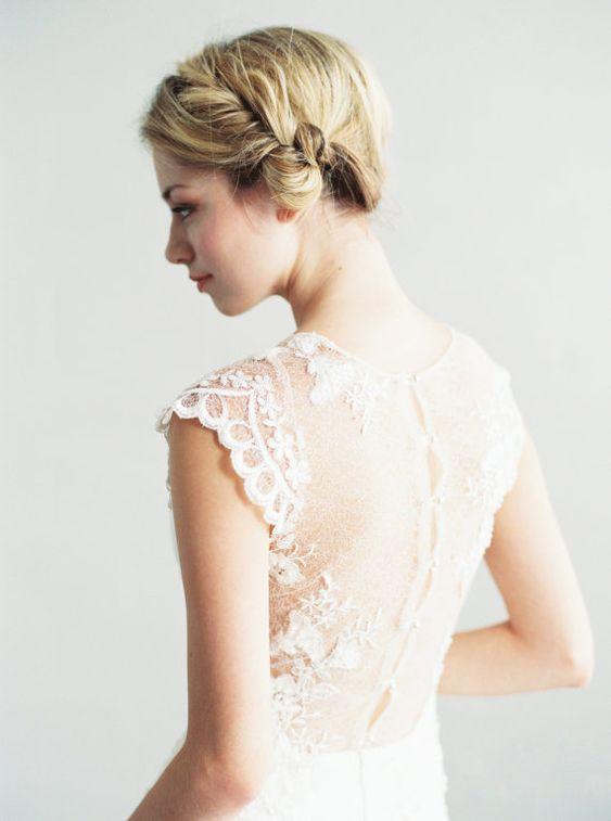 Ava - perles dentelle et robe de mariée en soie