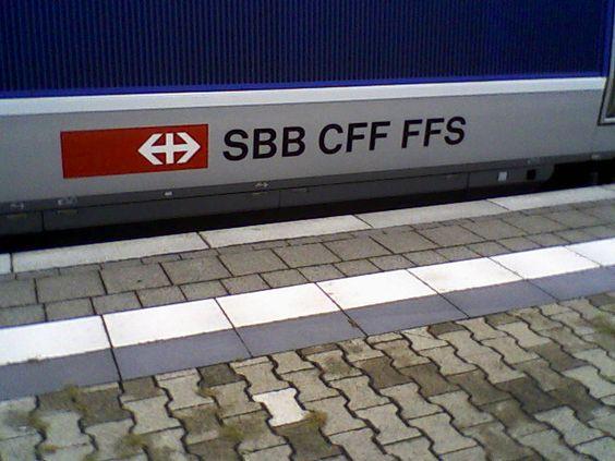 SBB-Logo an TGV POS Nr. 4604 - Basel - am 07.09.2010 im Hauptbahnhof.
