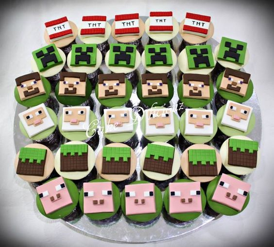 Minecraft cupcakes | Cupcake Toppers | Pinterest ...