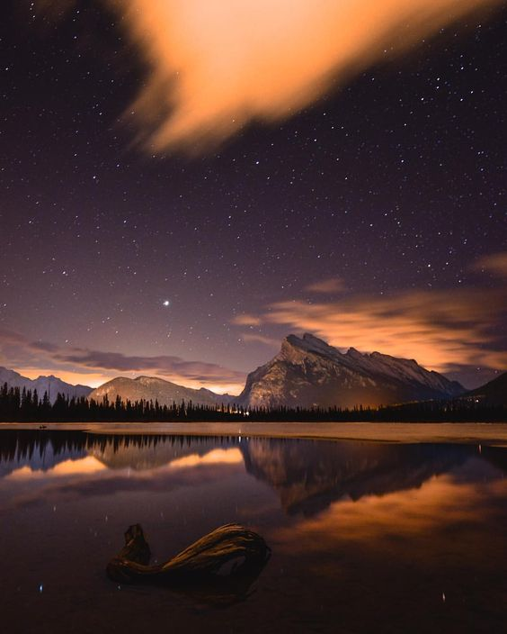 """Art of Visuals™   Photography on Instagram: """"AOV x @tomhill_photography Vermilion Lakes, Alberta, Canada - A night photographers dream. Shot info - Single exposure @ Iso 3200, 30sec, f4, auto white balance, 22mm My gear - Nikon d800, tamron 15-30mm f2.8 lens, Benro carbon fibre tripod ——————————————— Be Visually Inspired! by: @tomhill_photography #artofvisuals #aov #bevisuallyinspired! ——————————————— Check out our Lightroom presets and magazine on our website! www.artofvisuals.com"""""""