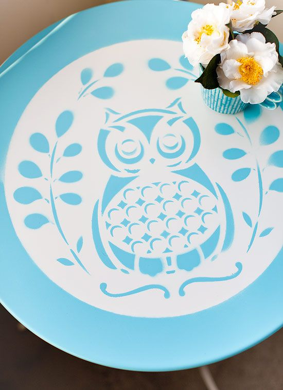 Owl table DIY with a placemat as a stencil