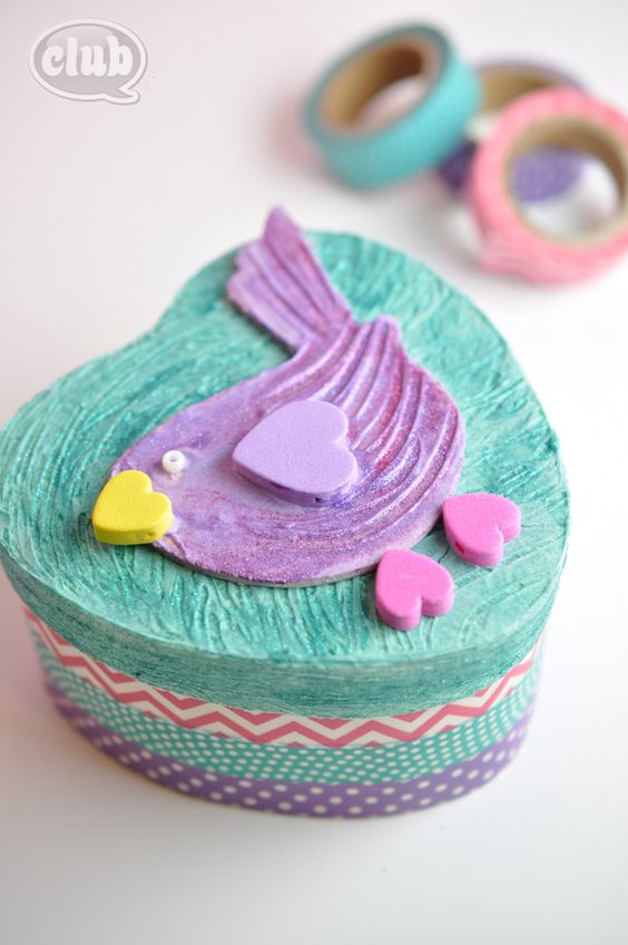 Love Bird Valentines Day Gift Box Craft idea - create cool textures and effects with glitter paint and dimensional effects paste from DecoArt