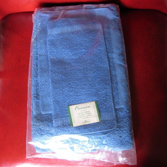 Reproduction Vintage Bath Towels: Vintage NOS Cannon Blue Bath Towel Set 3 100% Cotton Wash