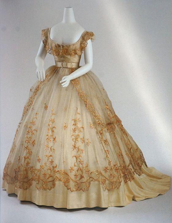ball gowns 1865 | Ball gown, Vienna 1865 Ballkleid @ Wien Museum ...