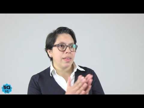 Cinco Preguntas (Más Uno) con Juana Medina - YouTube
