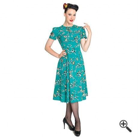 Moderne Damenmode  Sommerkleid mit Blumenmustern