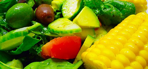 Easy Corn-On-The-Cob And Spinach Salad