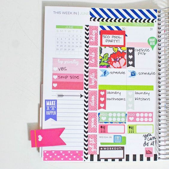 First half of the week in my #limelifeplanner #layoutc. Ignore that I forgot to finish filling it in before pics lol