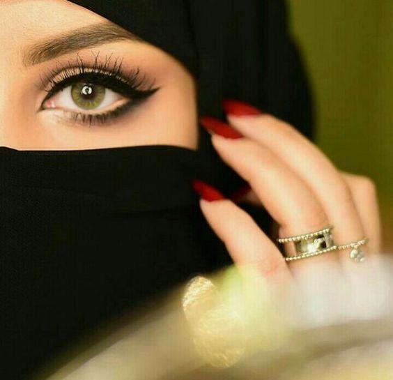 احدث موديلات النقاب بالصور اشكال نقاب جديدة لبس النقاب بطريقة شيك نقاب شيك ومحترم لفات نقاب سواريه Arab Beauty Eyes Poetry Attractive Eyes