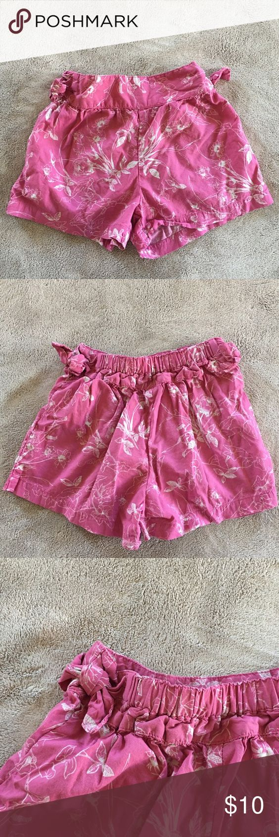 Gap Pink Floral Shorts Gap pink floral shorts with bows on the hips and an elasticated waist band. Worn once. Excellent condition. Gap Bottoms Shorts