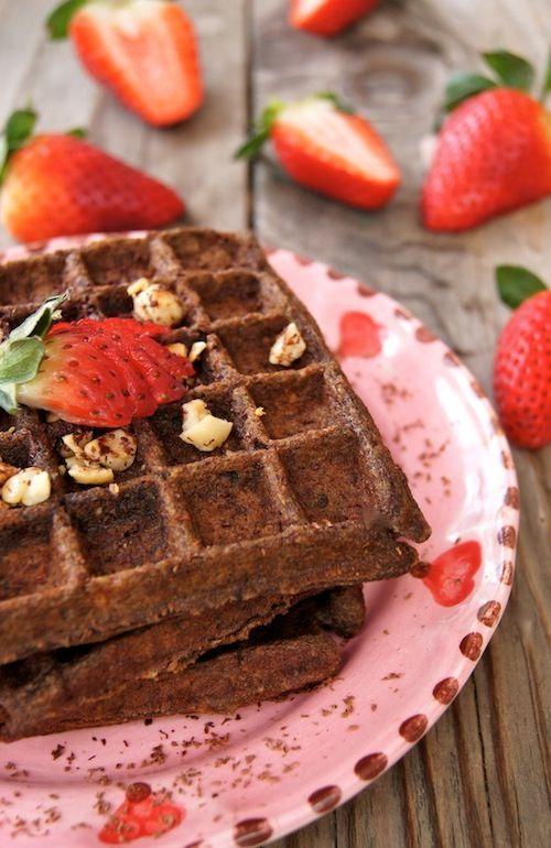 Valentine's Day Breakfast Recipe: Gluten-Free Chocolate-Banana Hazelnut Waffles | cookingontheweekends.com