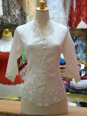 Ipops Collections: Kebaya Semi Formal