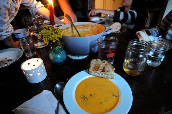 Karotten-geröstete Tomaten-Suppe