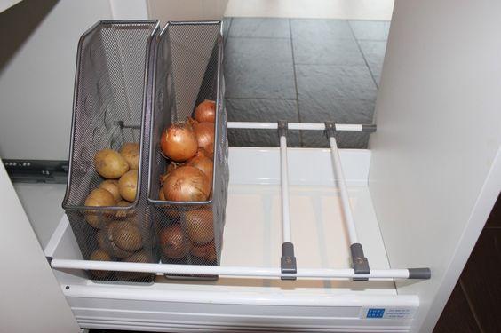 Kartoffeln und Zwiebeln in Zeitschriftenhaltern lagern Ordnung - schubladen ordnungssystem küche