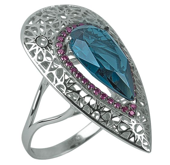 Gold ring with london blue topaz and violet diamonds // anillo de oro blanco con topacio azul londres y diamantes violetas www.art-jeweller.com