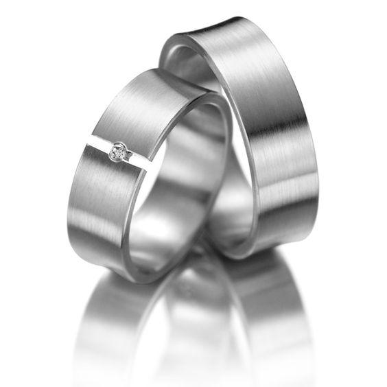 Eheringe 123gold MyStyle - Legierung: Weißgold 585/- Breite: 7,00 - Höhe: 1,40 - Steinbesatz: 1 Brillant 0,02 ct. tw, si (Ring 1 mit Steinbesatz, Ring 2 ohne Steinbesatz). Alle Eheringe können individuell nach Ihren Wünschen konfiguriert werden.