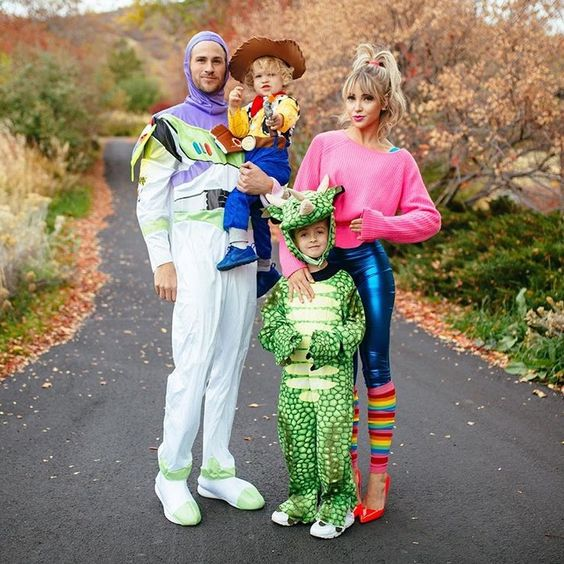 Family Toy Story costumes: Buzz, Woody, Rex, and Barbie