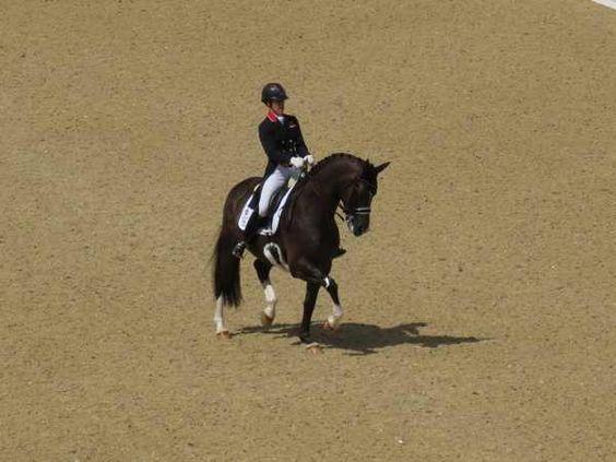 Video – Charlotte Dujardin and Valegro's Record-Breaking Grand Prix