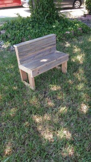 Banquita para niños con madera reciclada