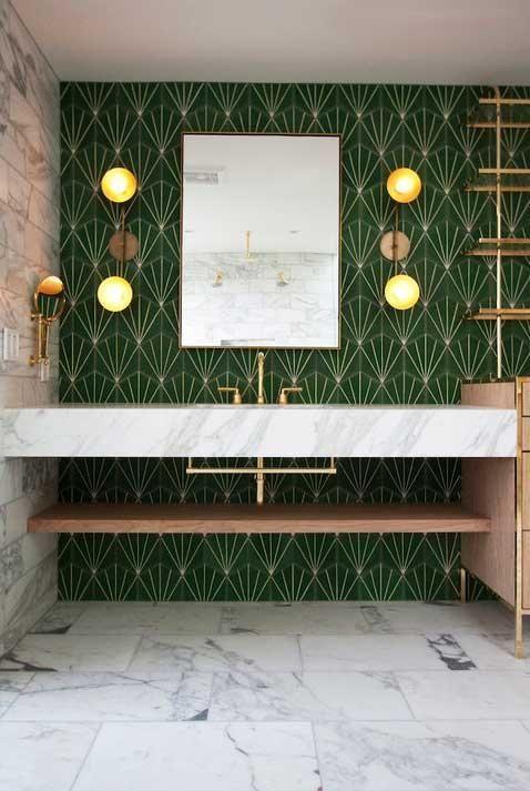 Grunes Badezimmer Komplette Anleitung Um Diese Kleine Ecke Zu Dekorieren Ikea Ablage Fliesen Badewanne Ro Art Deco Bathroom Green Bathroom Interior Deco