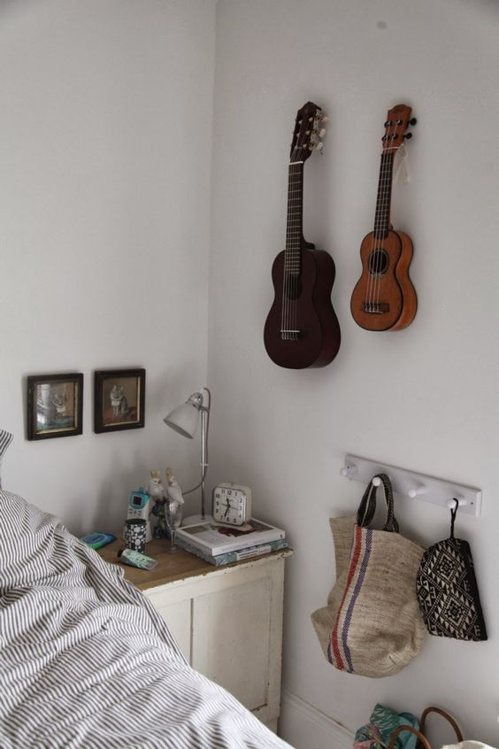 A little night music bag hanger and guitar wall on pinterest for Guitar bedroom designs