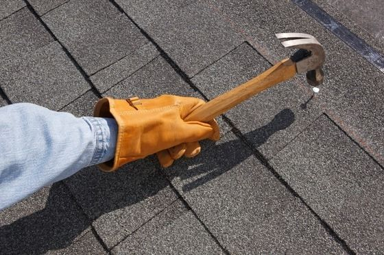 Roof repair and roof replacement tips! Checking your roof for problem signs now could mean the difference between repair or replacement later.