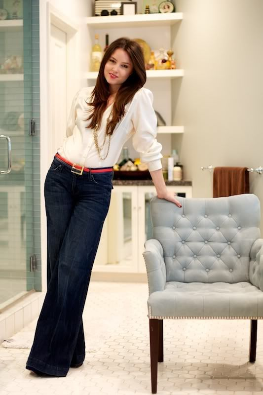 Casual Work Outfit: trouser jeans, bright belt, pretty white blouse, gold jewelry #clothing