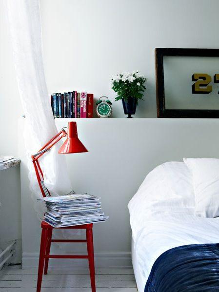magazines sur tabouret / lampe
