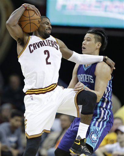James, Irving y los Cavs doblegan a los Hornets - http://a.tunx.co/f3PDn