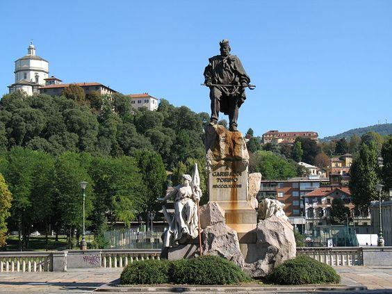 Monumento a Garibaldi.  Monte dei Cappuccini. Giuseppi Garibaldi. # Torino, Piemonte. Itália.