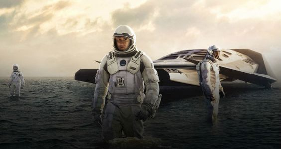 """Blu-Ray espetacular! Por Claudio Dirani Quando fiz 13 anos, meu pai me deu o livro """"Cosmos"""", de Carl Sagan. Era uma era, pode apostar, bem diferente da atual. Como adorava a série de TV homônima que falava do espaço, o livro se tornou um grande companheiro de sonhos e aventuras, com fotos de supernovas, planetas […]"""